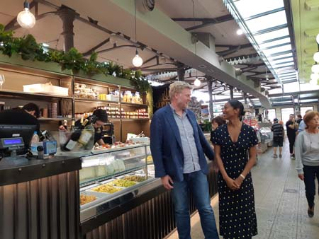 Darren Henaghan Managing Director del Borough Market di Londra e Ancella Thomas Evans Head of Communications